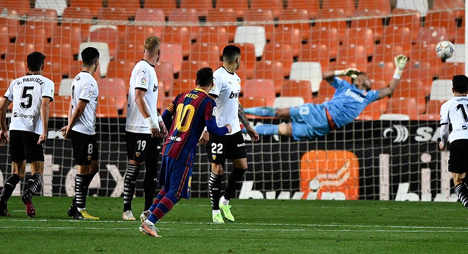 TV: Messi med drömfrispark när Barcelona hakade på i toppen