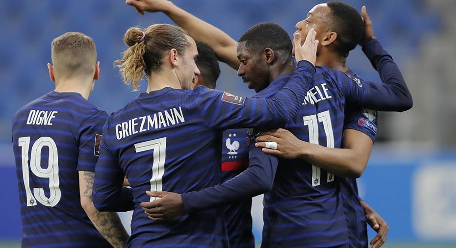 TV: JUST NU: Frankrike utökar genom dråpligt självmål