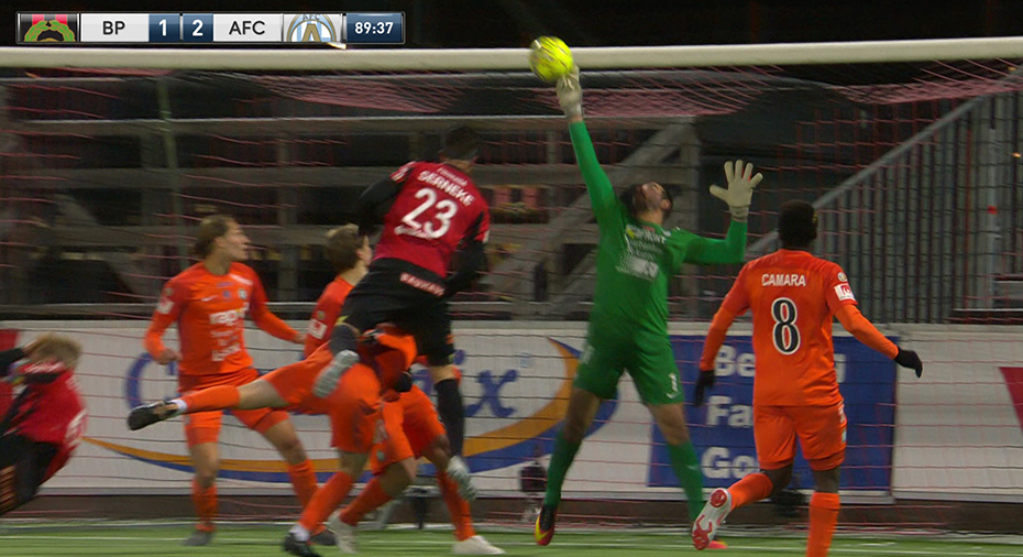 TV: Curci räddade AFC på övertid - se jätteräddningen