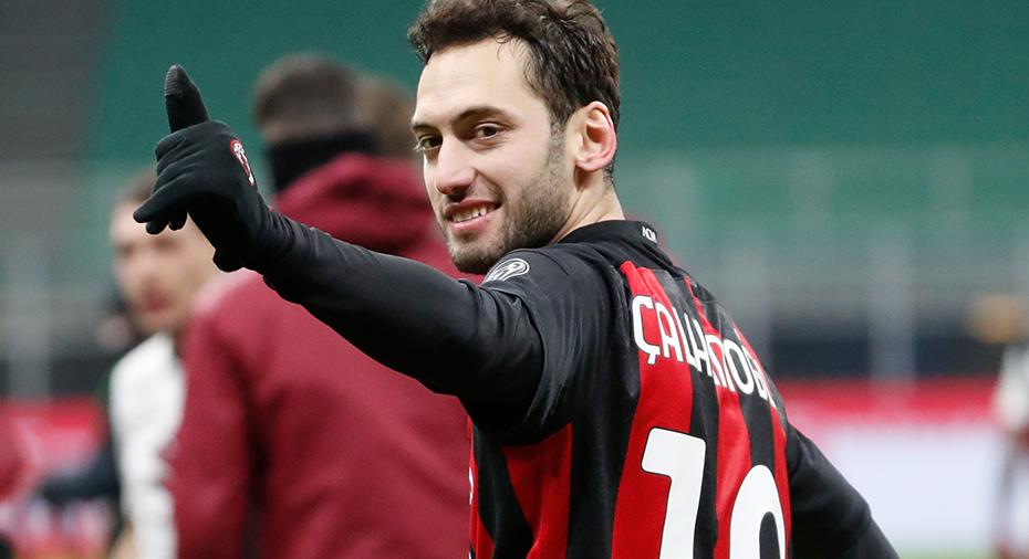Officiellt: Calhanoglu lämnar Milan för värsta rivalen