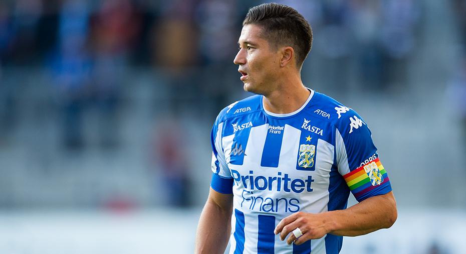 Blåvitt-kaptenen hoppas på nytt kontrakt: