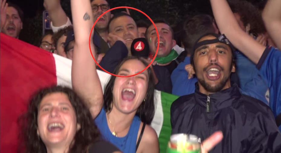 """TV: Här firar italienska fans vilt - mitt framför TV4-reportern: """"Man kan tro att jag är i Rom"""""""
