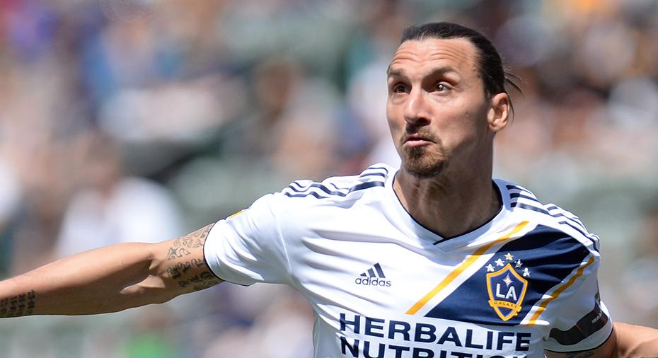 """Officiellt: Zlatan stängs av i flera matcher för """"våldsamt uppträdande"""""""