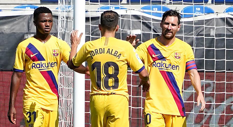 TV: JUST NU: Barça har lekstuga mot Alavés - Messi skjuter in 5-0