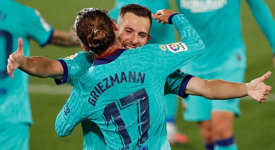 JUST NU: Barça tar ledningen - självmål av Villarreal-försvarare
