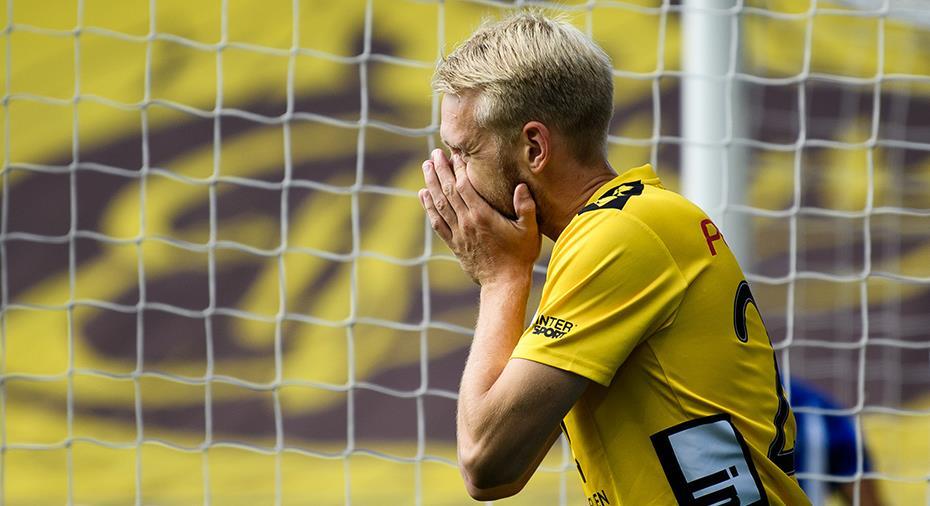 """Larsson besviken efter dubbla stolpträffarna: """"Var säker på att båda skulle gå in"""""""