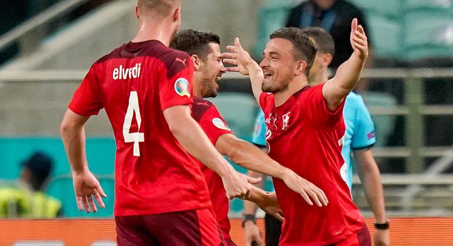 TV: Schweiz segrade i sista gruppspelsmatchen - Shaqiri hjälte med dubbla mål